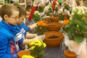 Dzieciaki sadzeniaki - klasa 2c