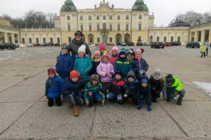 Klasa 0a na spacerze zimowym007